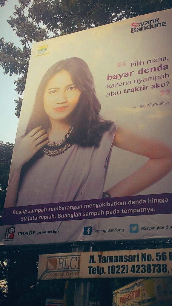 Kampanye Ridwan Kamil/Kota Bandung untuk membuang sampah pada tempatnya