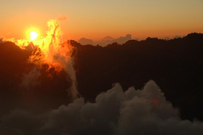 Sunrise. Photo by Ragil